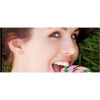 Şeker Dişlerine Zarar Verir Mi?