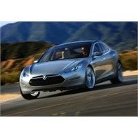 Tesla'nın Fiyatı Arttıkça Menzili Artıyor