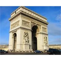 Paris Şanzelize Caddesi'nin Güzel Süsü- Zafer Takı