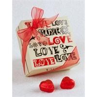 Valonia Chocolate'tan Sevgiler Günü Hediyesi Love