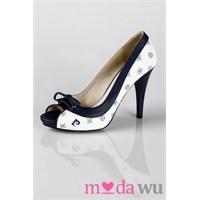 Bayan Ayakkabı Modasına Noktasını Koyan Marka