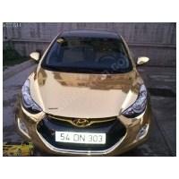 Altın Kaplamalı Araba Reklamı