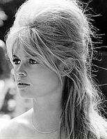Brigitte Bardot Giyim Ve Saç Trendi