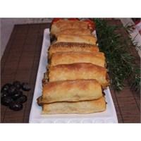 Patlıcanlı El Açması Börek