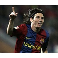 Messi'ye Akıllı Krampon!
