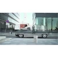 Mercedes Görünmez Araba Yaptı (Video)