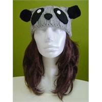 Panda Bere + Siyah Ponponlu Gri Atkı