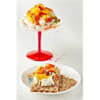 3 Renkli Lor Peyniri Salatası