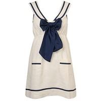 Amaç Denizci Stilinde Giyinmek