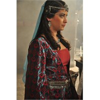 Hazal Kaya Sultan Oldu
