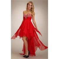Özel Geceler İçin Kırmızı Elbise Modelleri