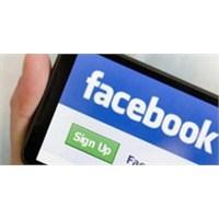 İşte Üç Renkli Facebook Akıllı Telefon!