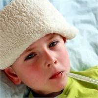 Titiz Annelerin Çocukları Neden Sık Hastalanıyor