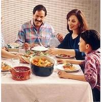 Yemekler Ailece Yenmeli