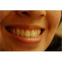 Diş Taşına Karşı Etkin Ağız Diş Bakımı Gerekli