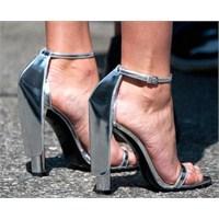 Trend: Metalik Ayakkabılar