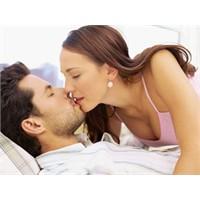 Aşıklar cinsel yaşamı iyi yaşıyorlar