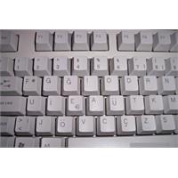 F klavyeye evet, Q klavyeye hayır!.