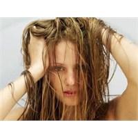 Saç Dökülmelerinin Sebepleri Ve Tedavisi
