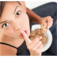 Gece Yarısı Yemek Hastalık Belirtisi Mi