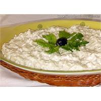 Yoğurtlu Mayonezli Kereviz Salatası
