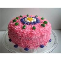 Renkli Paskalya Pastası