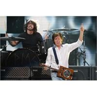 Nirvana Paul Mccartney'nin Önderliğinde Sahnedeydi