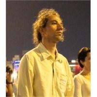 Sosyal Medyada Duran Adam Bombası