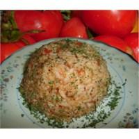 Akşam Yemeğinde Domatesli Pirinç Pilavı
