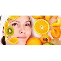 Meyveli Maskelerle Yüzünüz Pürüzsüzleşecek!