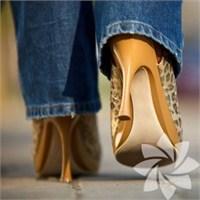 Topuklu Ayakkabılar Kambur Yapıyor!