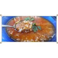 Kıymalı Domatesli Pirinç Çorbası Tarifi