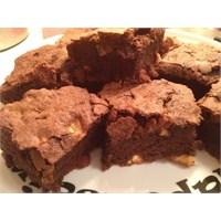 Hem Esmer Hem Sarışın: Beyaz Çikolatalı Browni