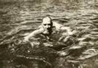 Atatürk Floryada Yüzerken