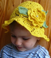 Yazlık Sarı Çiçek Motifli Kız Çocuk Şapkası