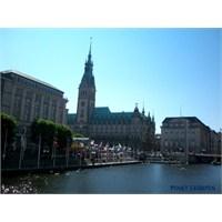 Hamburg Gezisi
