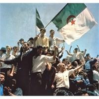 Akdeniz'in Ötesinde Bir Bağımsızlık Hikayesi