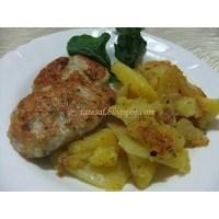 Tavuk Köftesi Ve Teflonda Kekikli Patates
