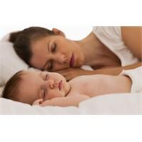 Bebekle Birlikte Nasıl Güvenli Uyunur?