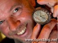 Yvan Arpa ın Dinazor Dışkısı İle Yaptıgı Saat