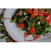 Nar Ekşili Roka Salatası