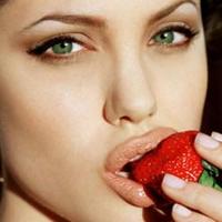 Angelina Jolie Dudaklarına Sahip Olun!