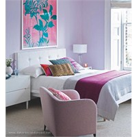 Yatak Odasında Lila Rengi