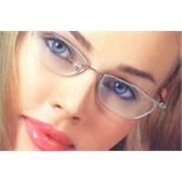 Gözlüğe Göre Göz Makyajı Nasıl Yapılır?