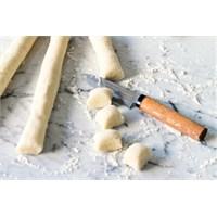 Ünlü İtalyan Yemeği Niyokki (Gnocchi) Nasıl Yapılı