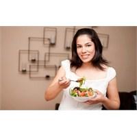 Lohusalık Depresyonunda Nasıl Beslenmeli?