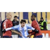 Messi Asla Düşmez!