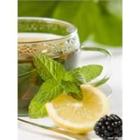 Cildinizi Güneşten Yeşil Çay İle Koruyun!