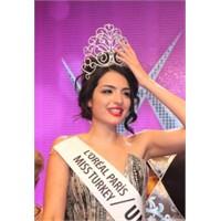 Miss Turkey 2011 Güzeli Melisa Aslı Pamuk