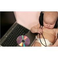 Bebeğinize Bol Bol Müzik Dinletin